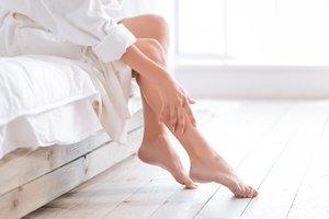 Patientem mit empfindlicher Haut leiden im Winter unter den starken Temperaturschwankungen.