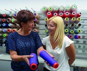 Nathalie Strohwald mit ihrer Ausbilderin Andrea Müller.