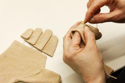 Handarbeit wird bei Ofa groß geschrieben.