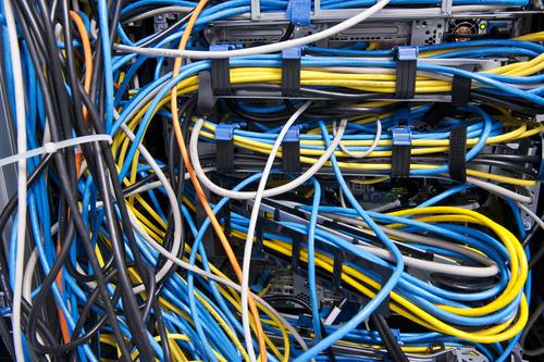 Wer sich für Hard- und Software interessiert, kann als Fachinformatiker/-in Systemintegration sein Hobby zum Beruf machen.